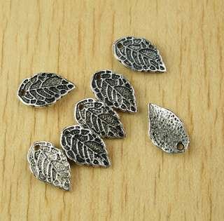 50x Tibetan silver leaf charms H2524