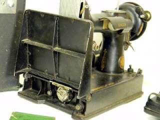 SINGER FEATHERWEIGHT SEWING MACHINE 221 NR