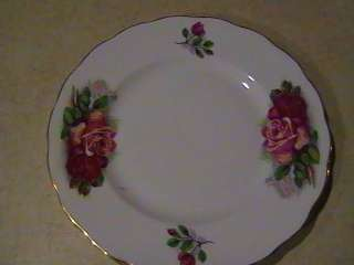Gainsborough Bone China Plate England Red Roses 8 1/4