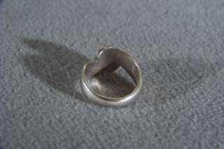 VINTAGE STERLING SILVER OVAL MOON STONE BOLD RING 7.5