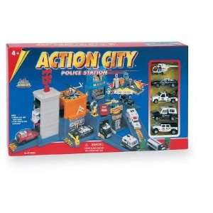 Action City Police Station: Toys & Games