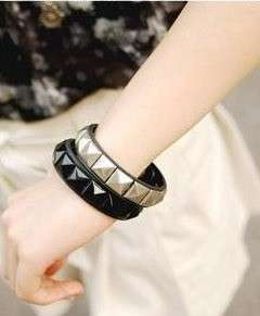 New fashion womens punk rivet buckle leather Bracelet silver/black