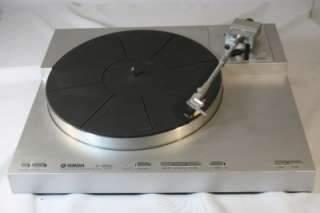 Yamaha P 850 Turntable Recod Player w. Manual