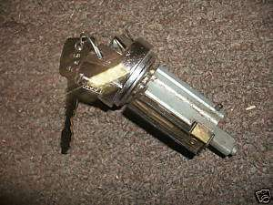 1970   1973 FORD MUSTANG IGNITION LOCK CYLINDER W KEYS