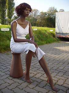 2636 ETHNIC FEMALE FIBERGLASS SITTING MANNEQUIN & WIG & BASE (LZM2