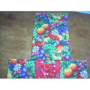 : QUILTED PAPERBACK BOOK COVER   FANCY FRUIT DESIGN: MAINLINE: Books