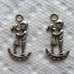 4pcs, 2 Pairs Fine Silver Kissing Lovers on the Moon Charms 24mm