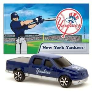 MLB 1:87 Scale Ford F 150 with Team Mascot Sticker   Yankees (2 Packs)